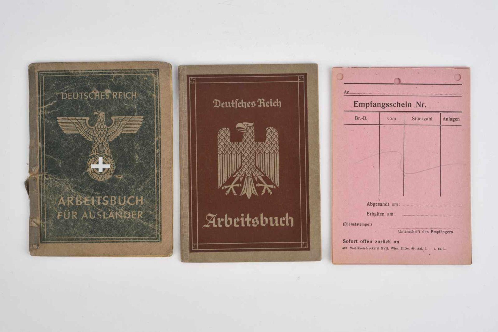 Ensemble de documents civiles comprenant une trentaine de fiches vierges «Empfangsschein». Un