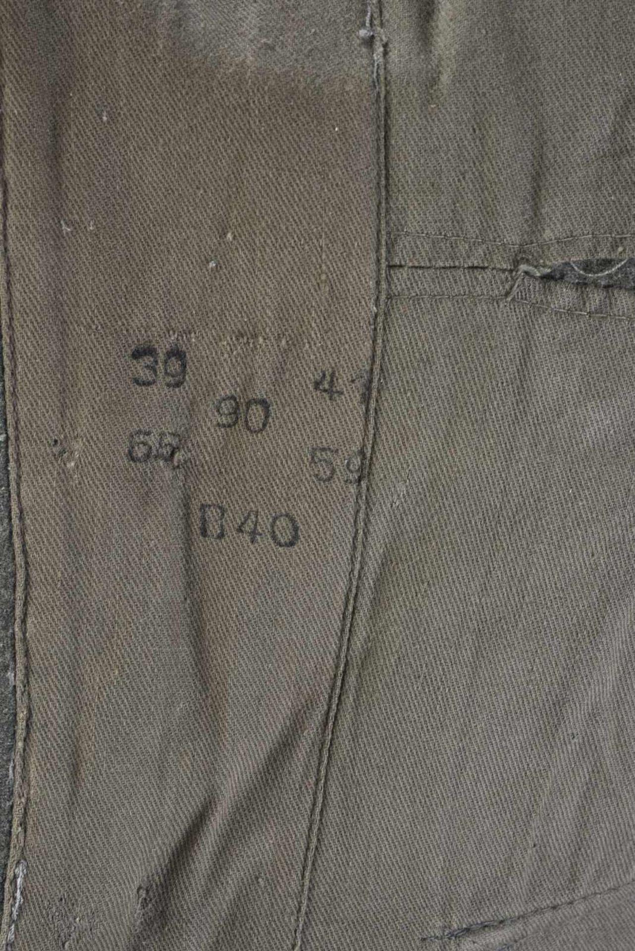 Vareuse de Feldwebel d'infanterie modèle 36 en tissu laineux Feldgrau, tous les boutons sont - Bild 2 aus 4