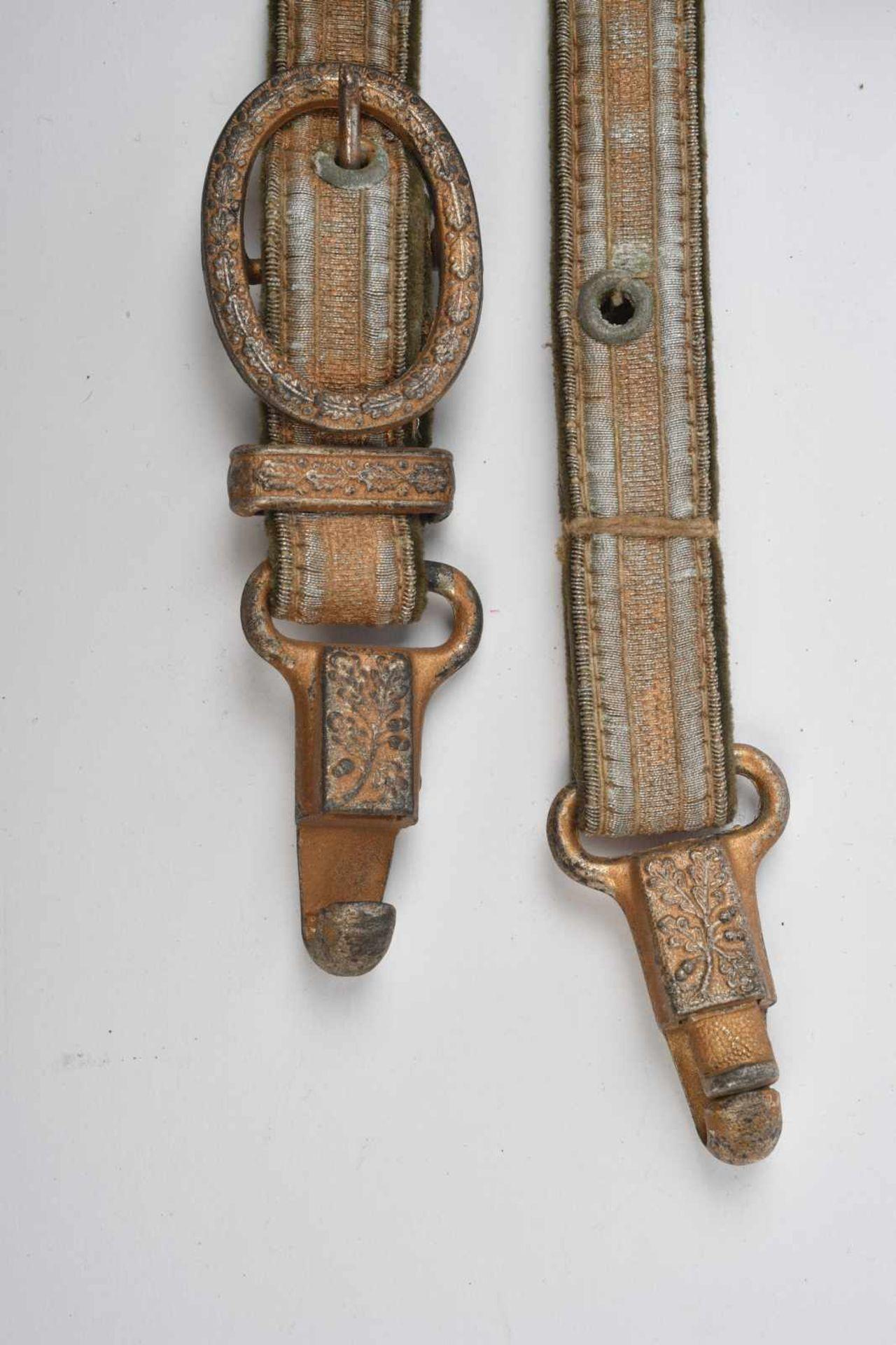 Bélière de dague allemande. En fil doré sur fond Feldgrau, parties métalliques richement ornées, - Bild 3 aus 3