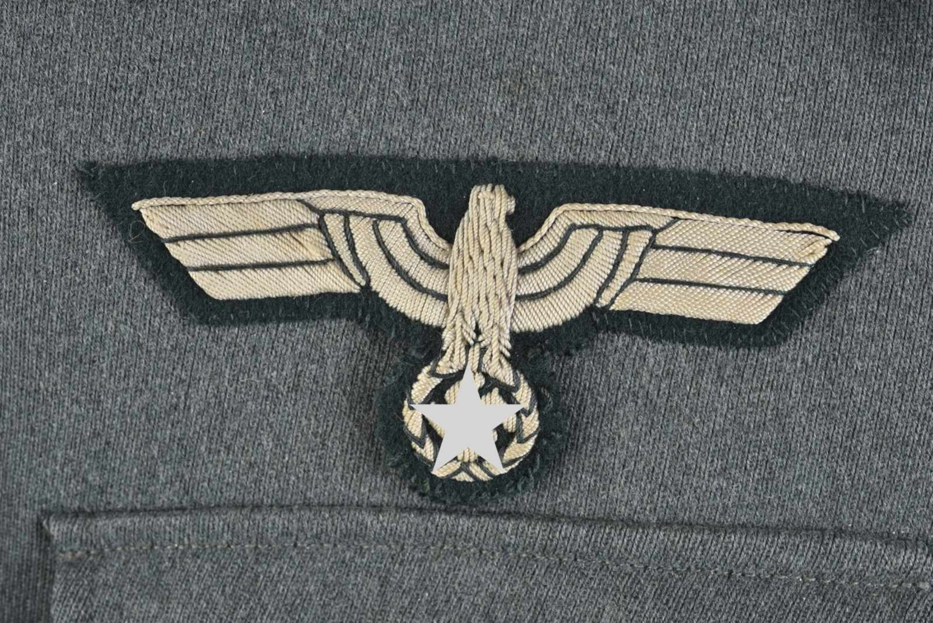 Vareuse de Leutnant de l'infanterie en gabardine Feldgrau tous les boutons sont présents. - Bild 3 aus 4