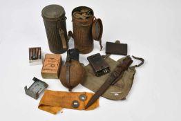 Ensemble d'équipements allemands comprenant une baïonnette de Mauser 98k, plaquettes en bakélite