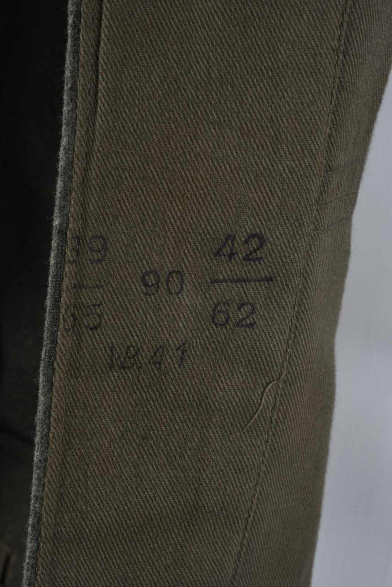 Vareuse troupe d'infanterie allemande. En drap de laine Feldgrau, tous les boutons sont présents. - Bild 2 aus 4