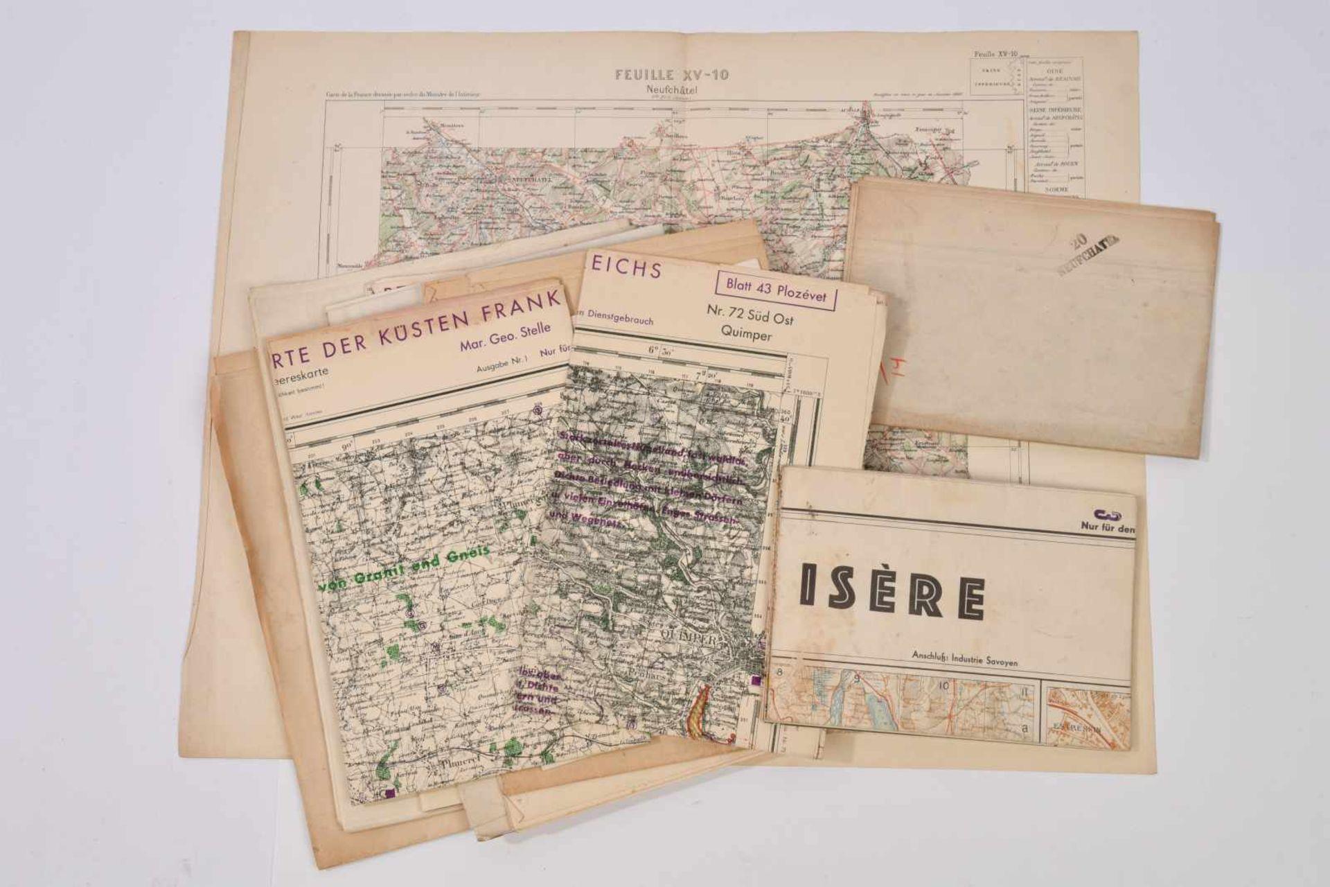 Ensemble de cartes comprenant une carte de Neufchâtel, tirage de 1889, échelle 1:100000. Une