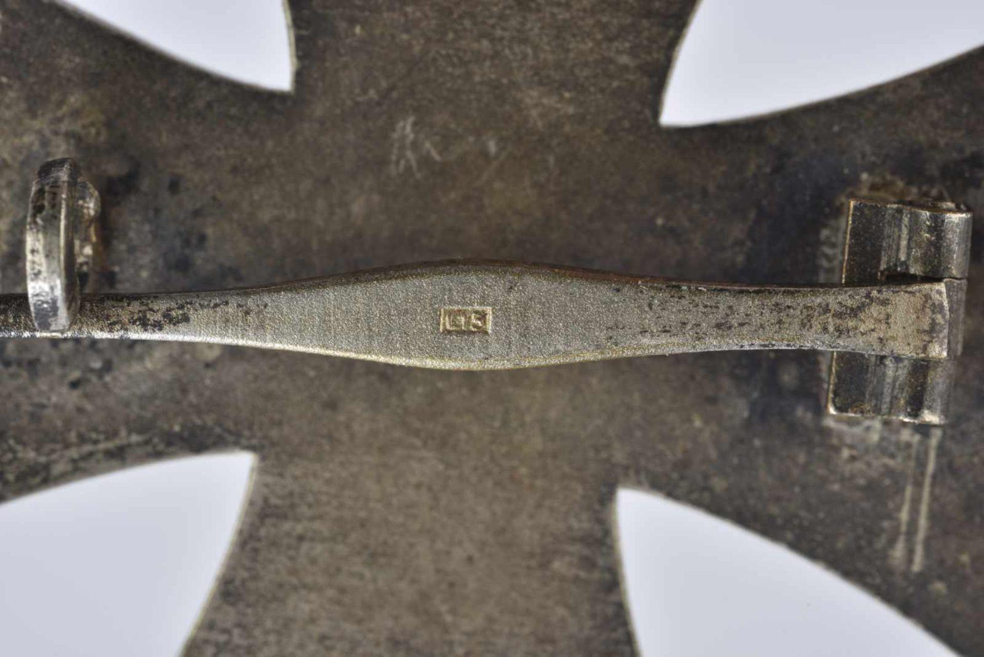 Croix de fer de première classe. Fabrication en trois parties, système de fixation complet. Marquage - Bild 2 aus 3