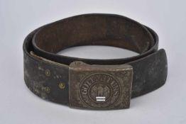 Ceinturon de la Heer en cuir noir, à noter que les coutures du ceinturon ont été remplacées par