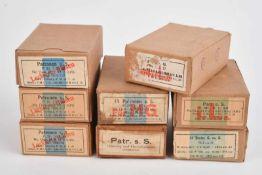 Ensemble de boites de cartouches comprenant trois boites en carton vide, marquées «Patronen S.S