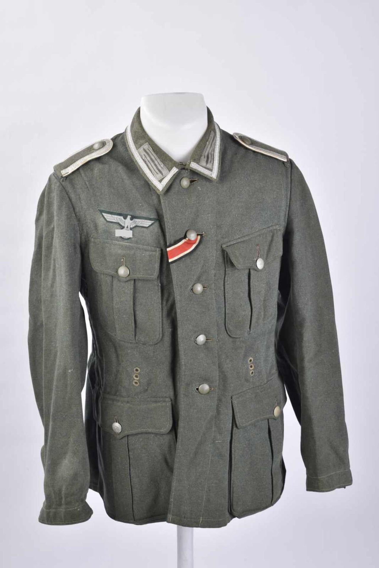 Vareuse d'Unteroffizier de l'infanterie en drap Feldgrau, intérieur doublé en tissu coton marron,