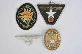 Ensemble d'insigne des Gebirgsjäger comprenant un insigne trapézoïdal pour casquette M43, insignes