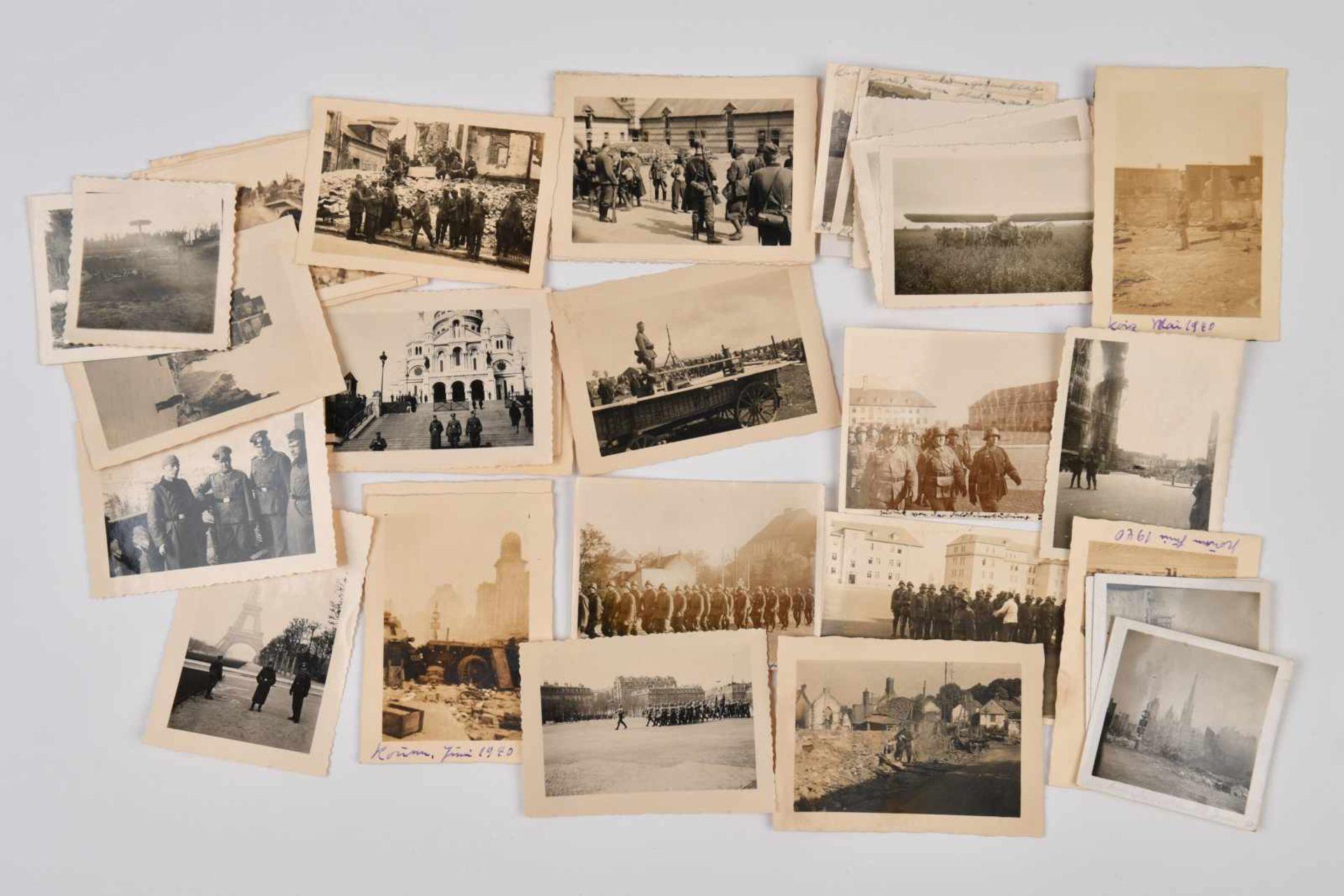 Ensemble de photos concernant la France occupée comprenant 36 photos de l'occupation allemande à