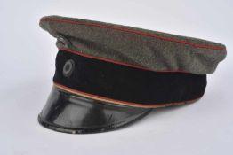 Casquette Schirmmütze wurtembergeoise de sous-officier Bandeau velours noir, liseré rouge. Etat II
