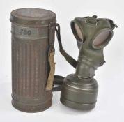 Masque à gaz du Pak Zug Infanterie Régiment 310Modèle long, Peinture Feldgrau à 60%. Toutes les