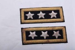 Grade de Général d'Armée provenant du film Touchez pas à la femme blanche Insignes brodés de général