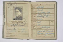 Wehrpass du soldat Emil Stoffel Livret ouvert le 28 octobre 1944, au nom de Emil Stoffel, originaire