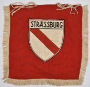 Flamme de trompette des HJ de Strasbourg Biface, en tissu coton rouge, frangé sur trois côtés. Au