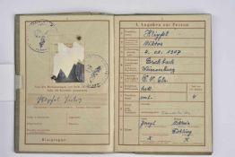 Wehrpass du soldat Viktor Keipfel Livret ouvert le 9 novembre 1944, au nom de Viktor Keipfel,