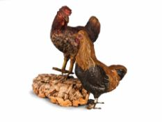 DUE GALLINE IN TERRACOTTA POLICROMA | TWO HENS Due galline in terracotta policroma, una girata a