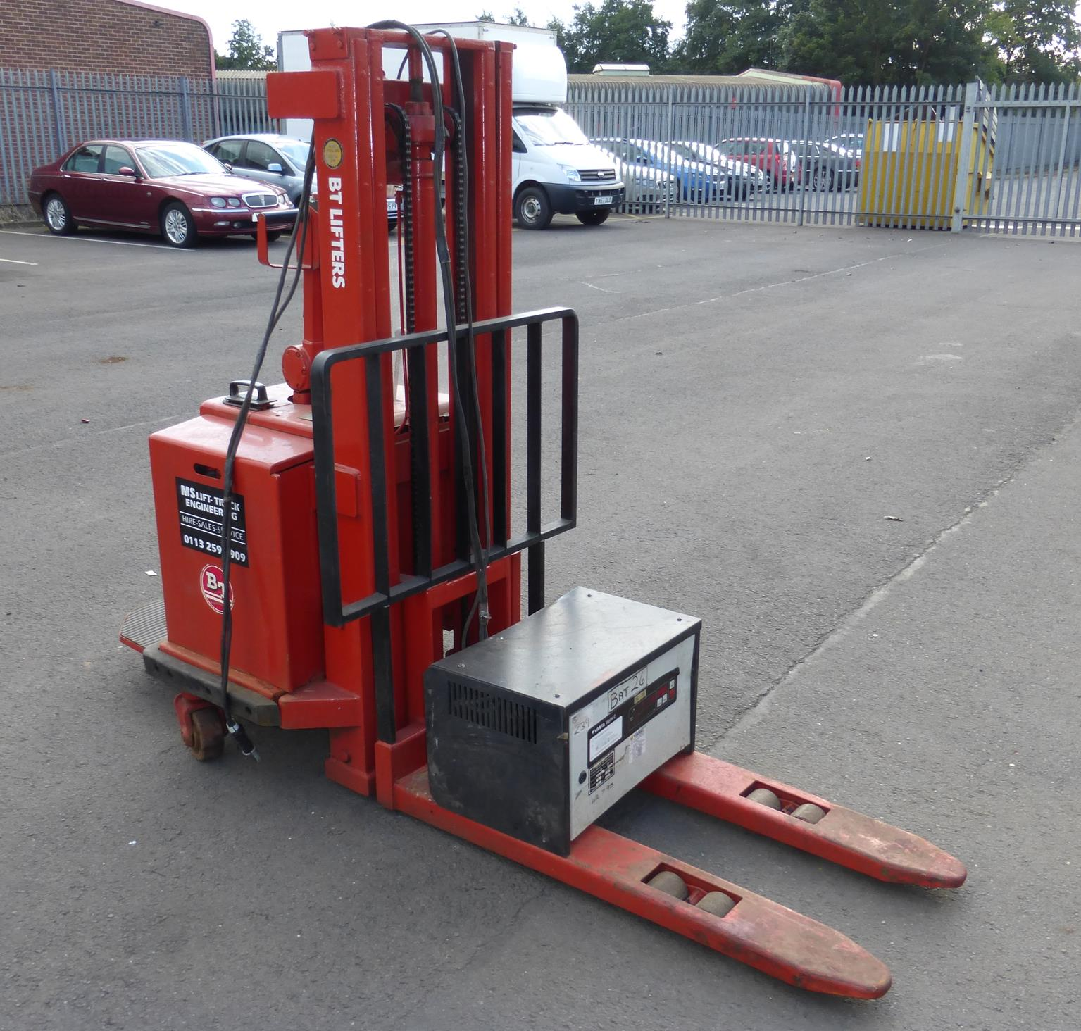 Lot 31 - * BT Rolatruc Model BT LSV1000, Max Capacity 1000Kg c/w Battery Charger (Spares or Repair) Please
