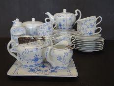 """Teeservice für 6 Pers. """"A.W"""" Friesisch blau, 30 Teile, eine Tasse mit Altris"""