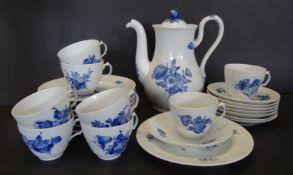 """Kanne mit 8 Gedecken """"Royal Copenhagen"""" blaue Blumen, 25 Teile, gut erhalten"""