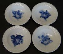 """4 kleine Schälchen """"Royal Copenhagen"""" blaue Blumen, D-8 c"""