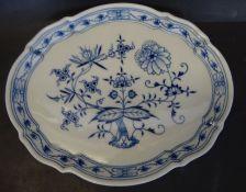 """ovale Platte """"Meissen"""" Zwiebelmuster, Schwerter durchschliffen, 23x28 cm"""