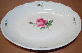 """grosse ovale Schale """"Meissen"""" rote Rose, H-6 cm, 32x24 cm, Schwerter durchschliffen"""