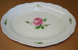 """grosse ovale Platte """"Meissen"""" rote Rose, Schwertermarke, 1.Wahl, 43x30 cm"""