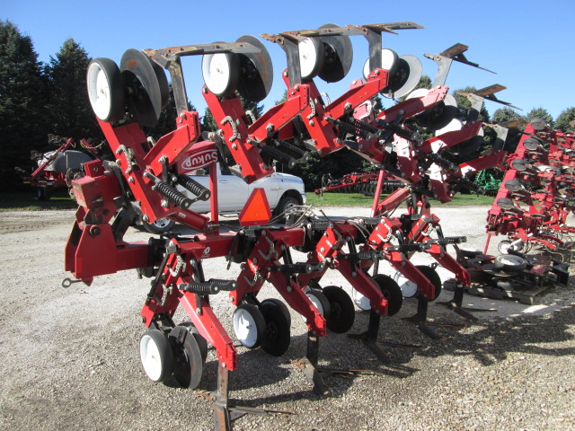 Sukup Cultivator Parts : Sukup no till cultivator set on r extra parts to