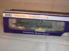 An N Gauge Hall Class steam locomotive, 'Norton Hall' 5935 by Dapol ND-135A in GWR livery (NM-BVG)