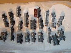 N Gauge - A selection of unboxed wagons by Peco and Farish in LMS and GWR liveries (20) (VG