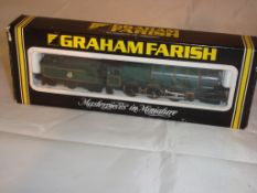 An N Gauge King Class 'King John' steam locomotive by Farish in BR Green (NM-BVG)
