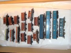 N Gauge - A selection of unboxed vans by Peco, Farish and Lima in various BR liveries as lotted (18)