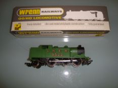 A Wrenn W2217 Class N2 Steam tank locomotive in LNER green livery - Very Good, Good box with