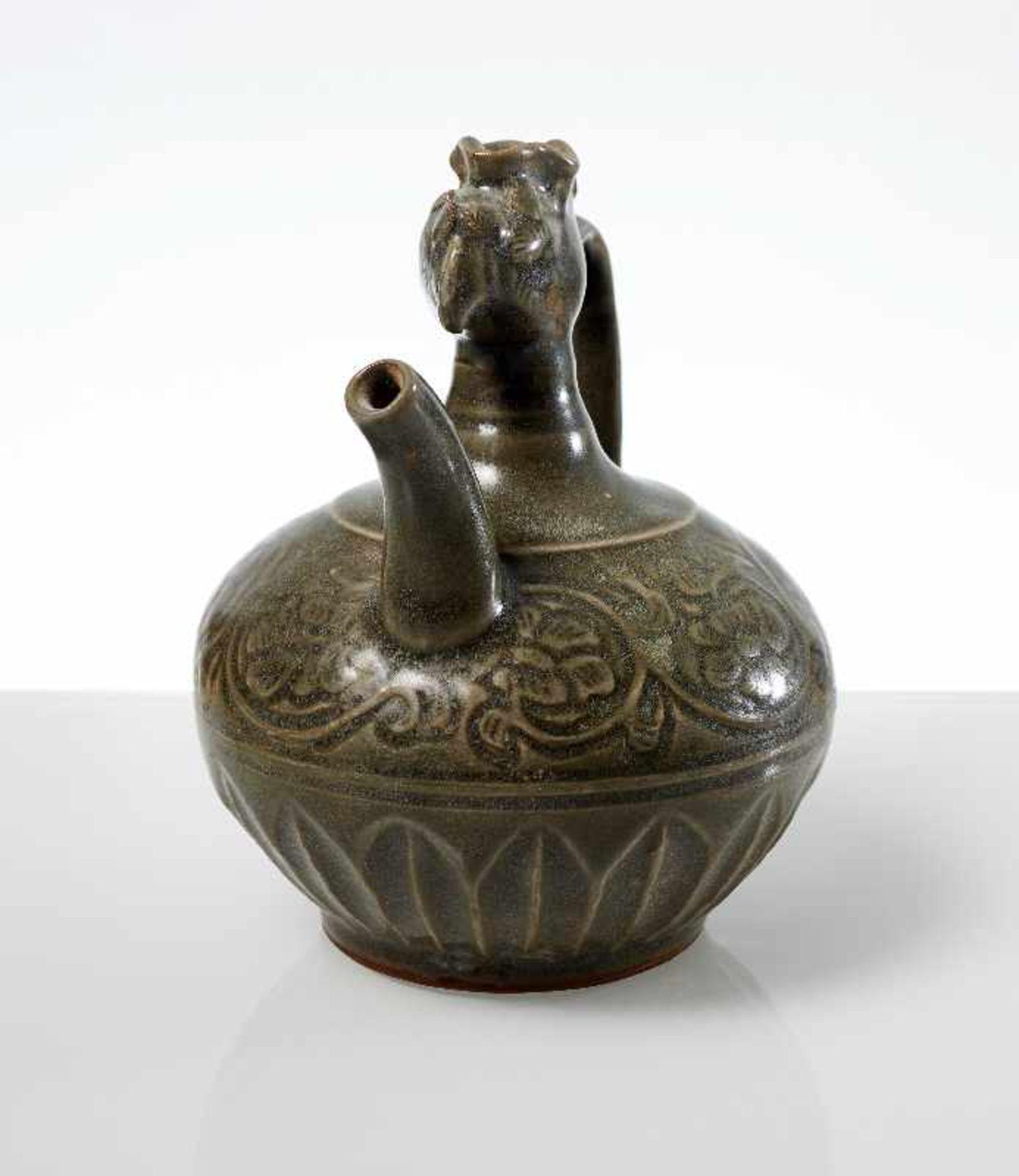 VASE MIT PHÖNIX-KOPF Steingut. China, möglicherweise Song- bis Yuan, ca. 13. bis 14. Jh. Kleine - Image 5 of 6