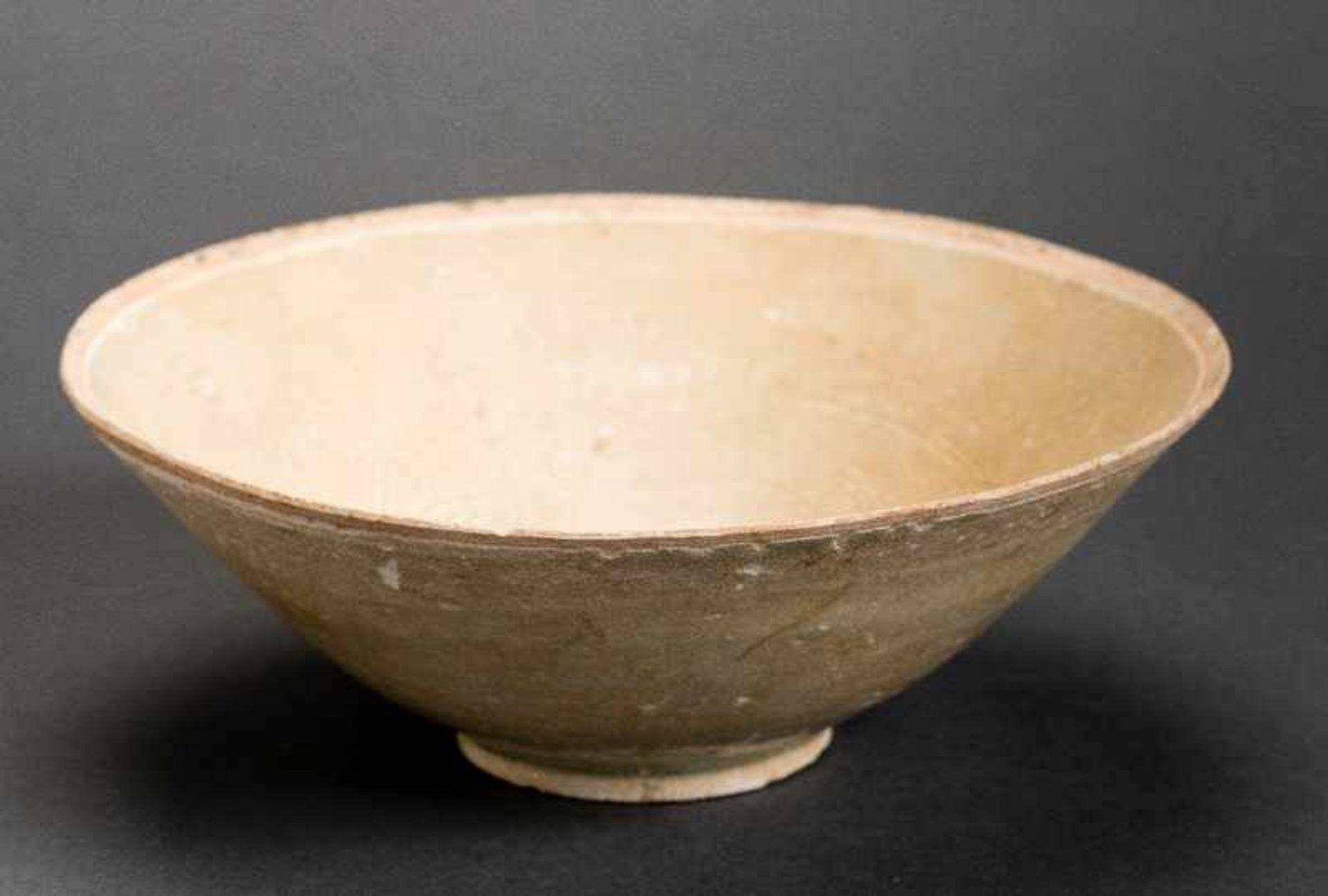 TIEFE SCHALEGlasierte Keramik. China, Song, ca. 12. bis 13. Jh. Diese trichterförmige tiefe Schale - Image 6 of 6