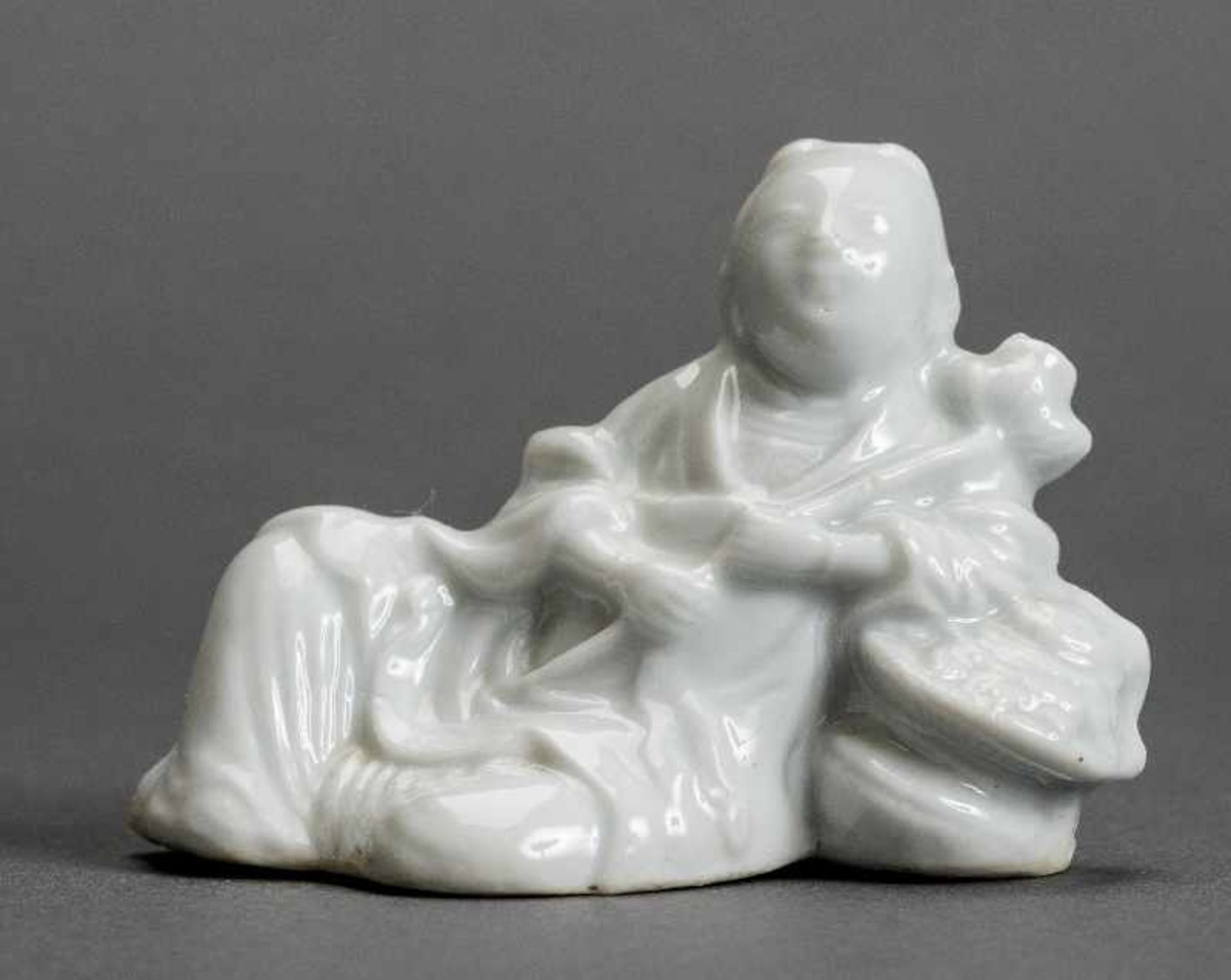 DIE UNSTERBLICHE LAN CAIHE Blanc de Chine. China, Qing-Dynastie (1644 - 1911) Lan Caihe ist neben He