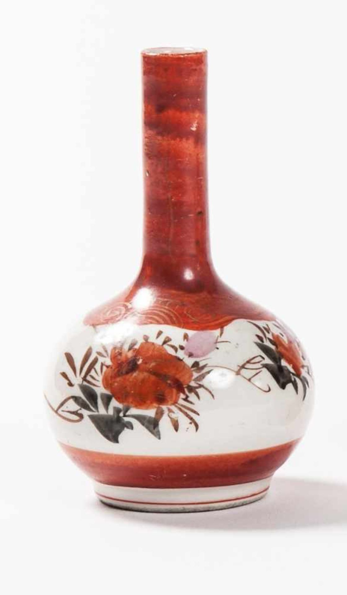 Konvolut Bestehend aus 1 Kerzenständer,1 Porzellanvase Kutani-Porzellan. Japan, 19. Jh. a) - Image 3 of 5