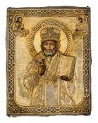 *Hl. Nikolaus Russische Ikone, letztes Drittel 19. Jh., mit Silberoklad, St. Petersburg 1875