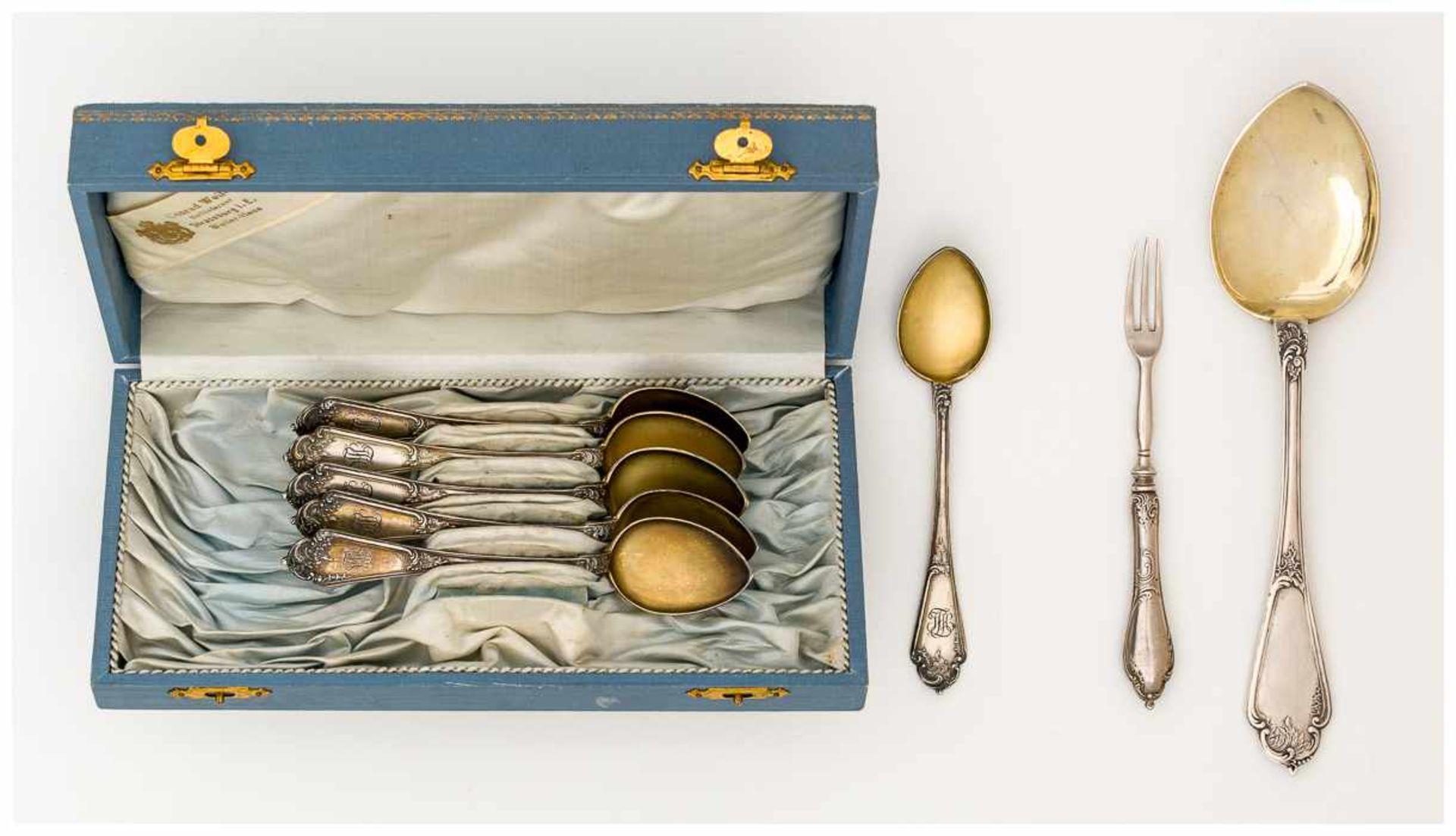 Los 9 - Fabergé - Besteck Sechs Löffel: 14,8 x 3,1 cm, je 37g: Moskau 1896-1908; Meister: Peter Karl Fabergé