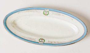 *Teller Porzellanmanufaktor Kuznetsov, Russland 1894-1917 29,2 x 14,2 cm Provenienz: Norddeutsche