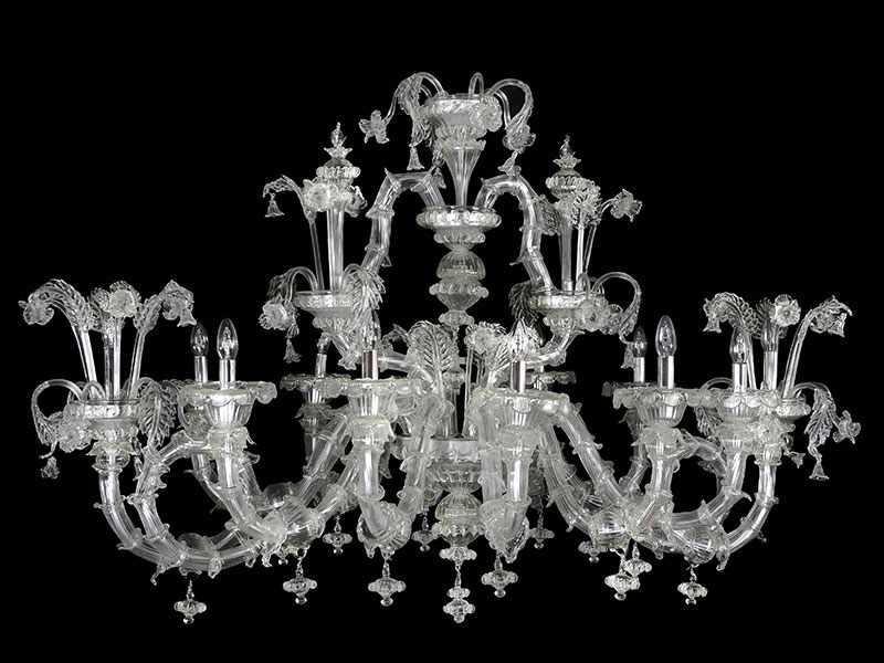 Lot 39 - Muranoglas-Deckenleuchter Höhe: ca. 105 cm. Durchmesser: ca. 160 cm. Venedig. Elektrifiziert. (