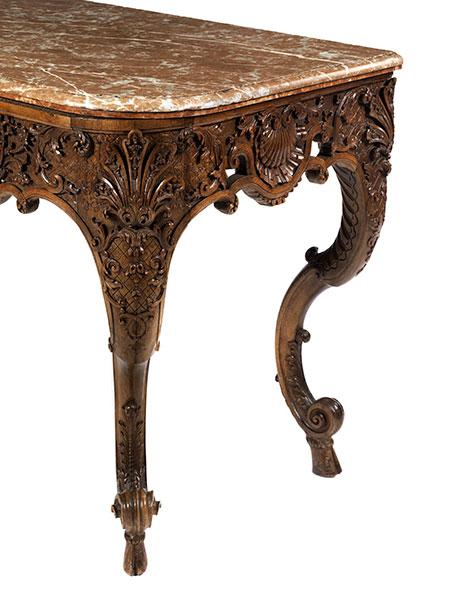 Lot 13 - Prächtiges Régence-Table à gibier Höhe: 86 cm. Breite: ca. 132 cm. Tiefe: ca. 70 cm. Um 1700.