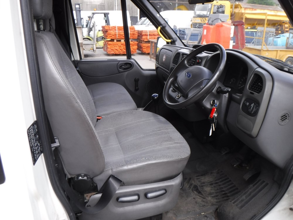 Seat For Ford 881 : Reg ford transit seat minibus st test