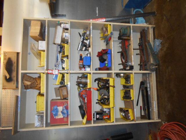 Lot 19 - Shelf Unit with contents