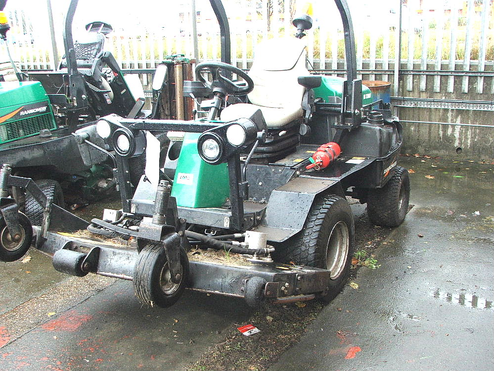 Lot 766 - RANSOMES HR3300T RIDE ON ROTARY MOWER 10 PLATE 2925 HRS