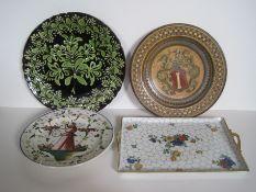 Ensemble de faïence : 3 assiettes provenance Italienne du XX, 1 plat en porcelaine [...]