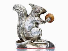 Vitrinenobjekt: Eichhörnchen, massive, antike Goldschmiedearbeit aus 800er Silber, Meistermarke W.