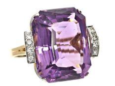 Ring: äußerst dekorativer Goldschmiedering mit großem Amethyst und Diamanten, Handarbeit, um 1960
