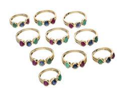 Ringe: Konvolut Damenringe mit Smaragd-/Saphir-/Rubinbesatz, 14K Gold Bestehend aus insgesamt 10