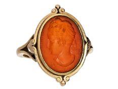 Ring: seltener, antiker Goldschmiede-Siegelring mit Karneolgemme, vermutlich um 1850 Ca. Ø17,5mm,